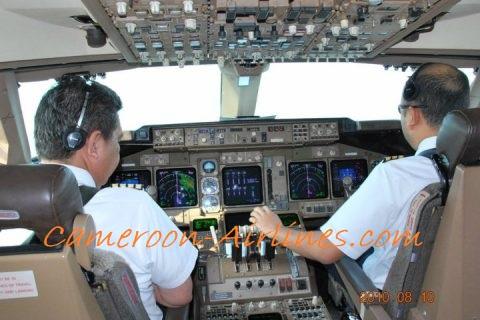 pesawat sungguhan faktor penting latihan penerbangan